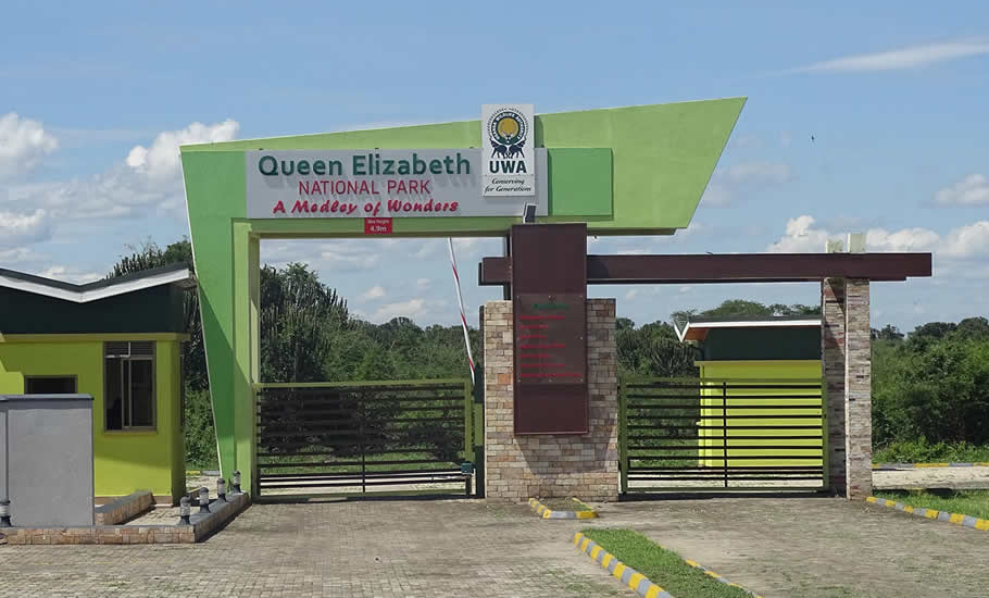 How to access queen Elizabeth National Park